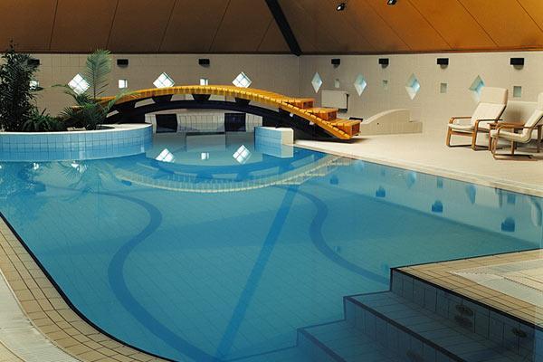 Como hacer una piscina moderna con estos sencillos consejos for Como hacer una piscina