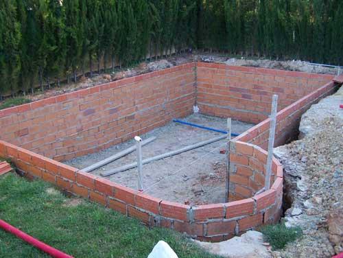 Como hacer una alberca peque a en sencillos pasos for Como se construye una piscina de concreto