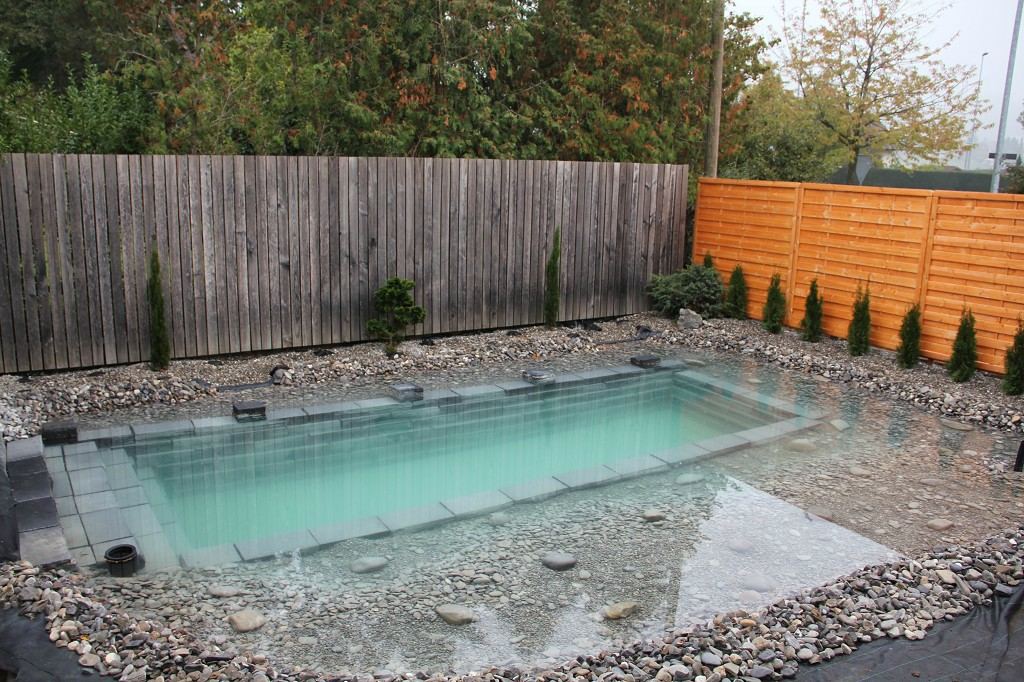 Como hacer una piscina en el jardin paso por paso - Piedras para jardin baratas ...