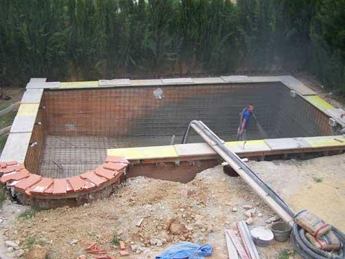 Como construir una piscina casera dietas de nutricion y for Que cuesta hacer una piscina
