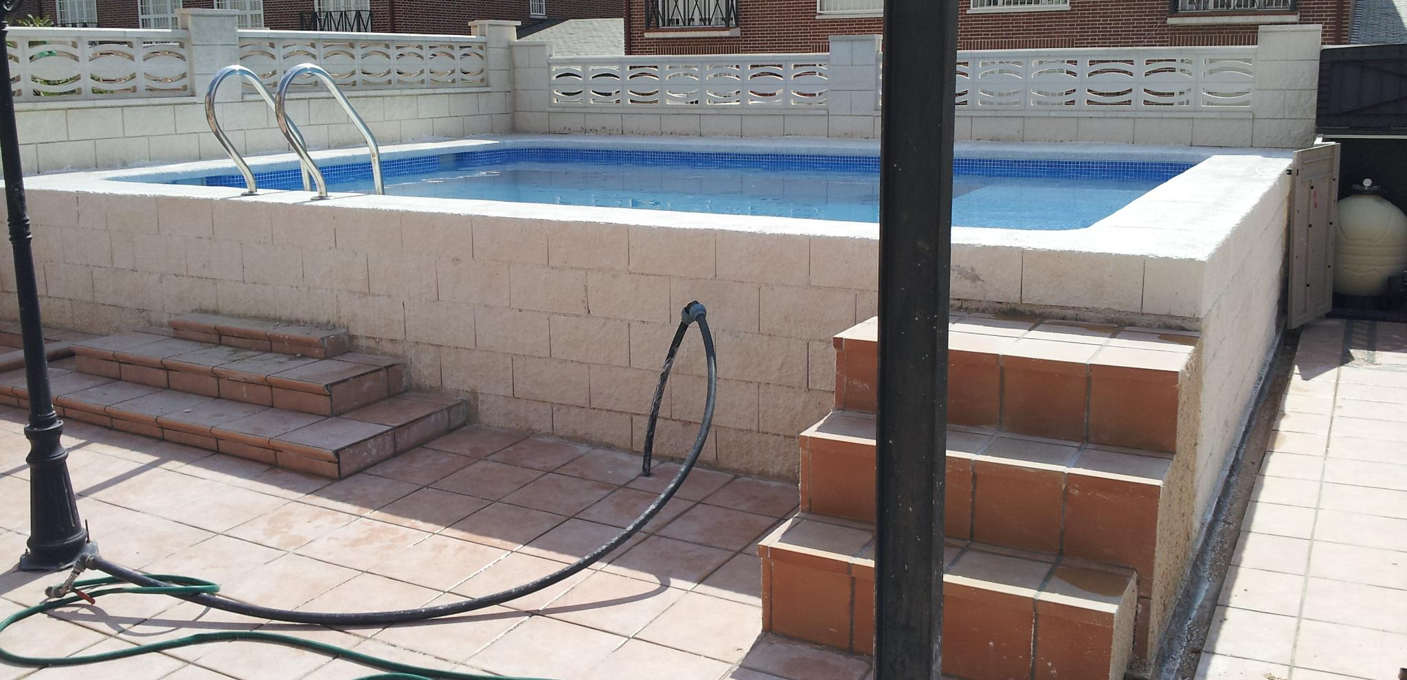 Hacer una piscina barata affordable simple jacuzzi de for Piscinas de obra baratas