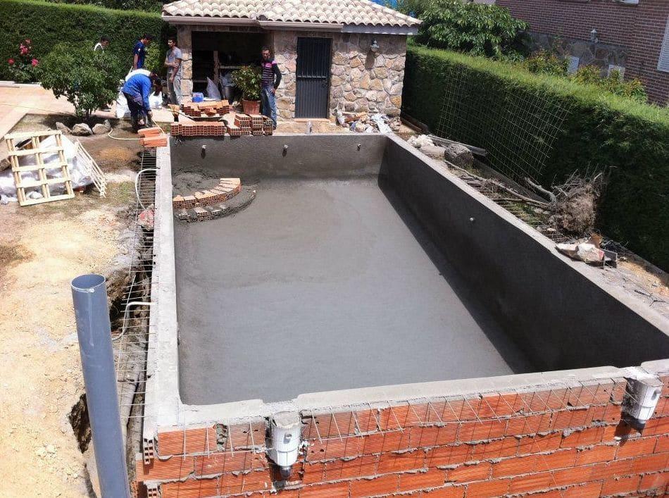 Como hacer piscina de cemento proyectado Construir una pileta de ladrillos