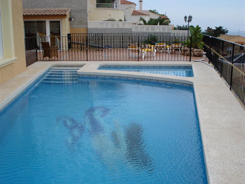 Como hacer una piscina de obra con ladrillos - Precio de hacer una piscina ...