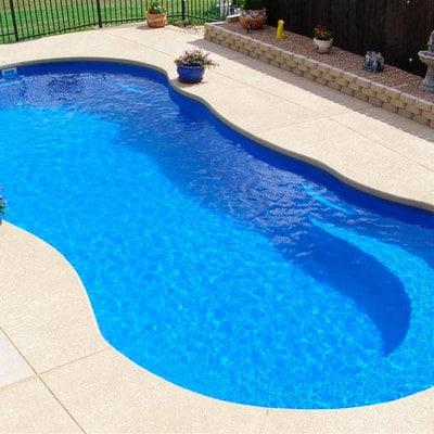 Como hacer piscina de cemento proyectado for Como se aspira una piscina