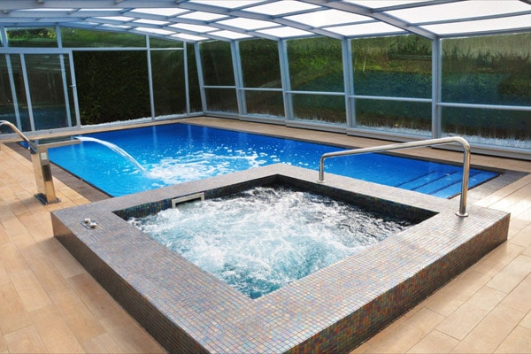Como construir piscina de hormigon for Como gunitar una piscina