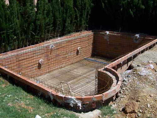 Como hacer una piscina artesanal for Como construir una piscina en concreto
