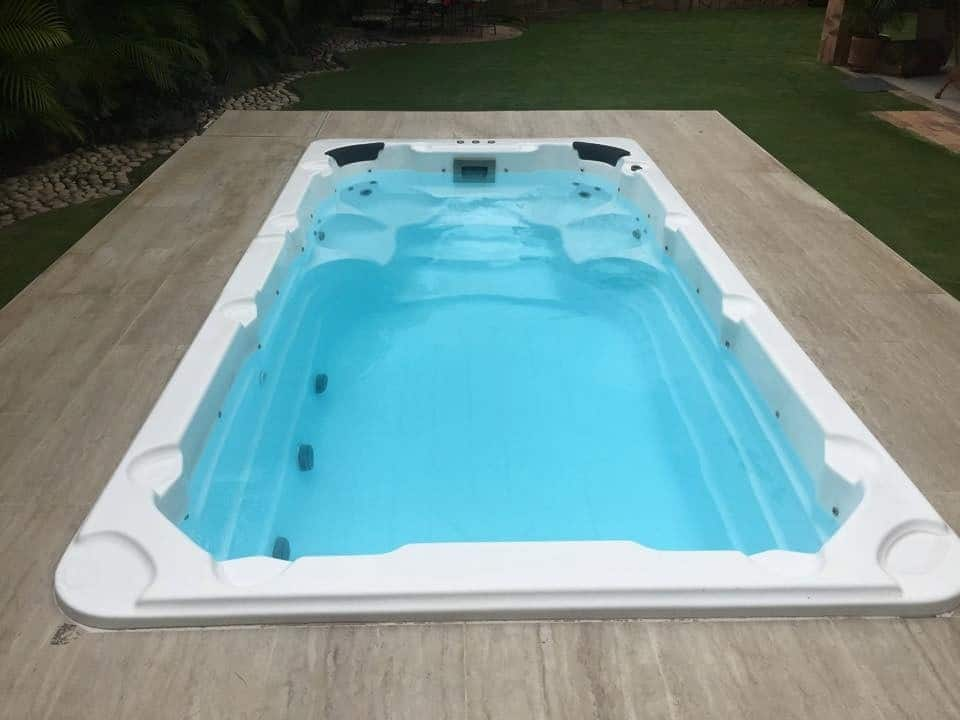Como hacer una piscina de fibra de vidrio - Como poner fibra de vidrio ...